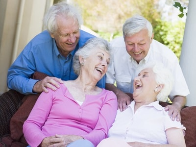stockfresh_78623_group-of-senior-friends-laughing_sizeXS-min.jpg