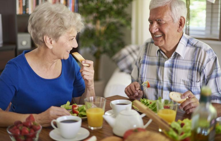 10 Tips for Elders to Meet Their Nutrition Goals