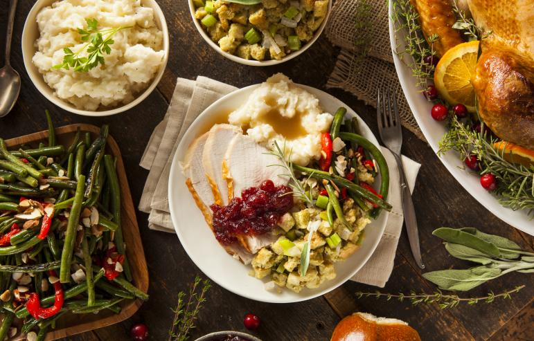 NUTRITIONAL TIPS FOR CONSUMERS AND CAREGIVERS DURING THE HOLIDAYS