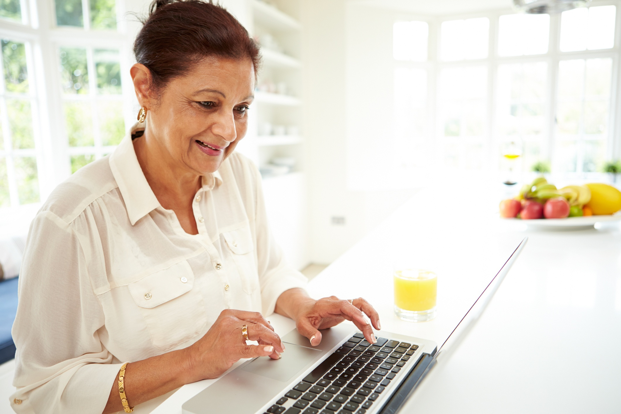 Best Elder Care and Senior Living Blogs: 50 Must-Read Blogs for Older Adults, Family Caregivers, and More