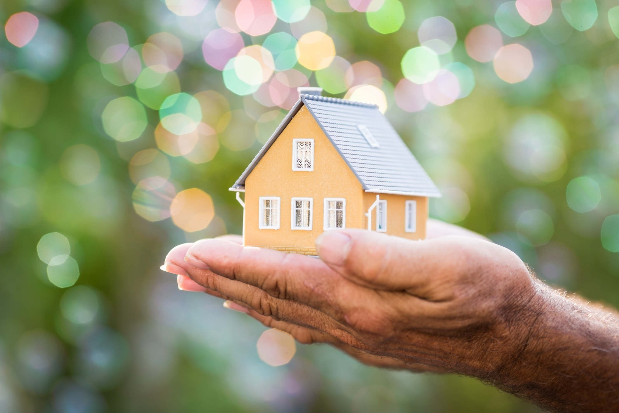 Home Modifications for Aging in Place: 50 Expert Tips and Quotes on Home Modifications That Support Aging in Place